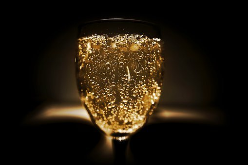 All hail the first sparkling wine without any alcohol